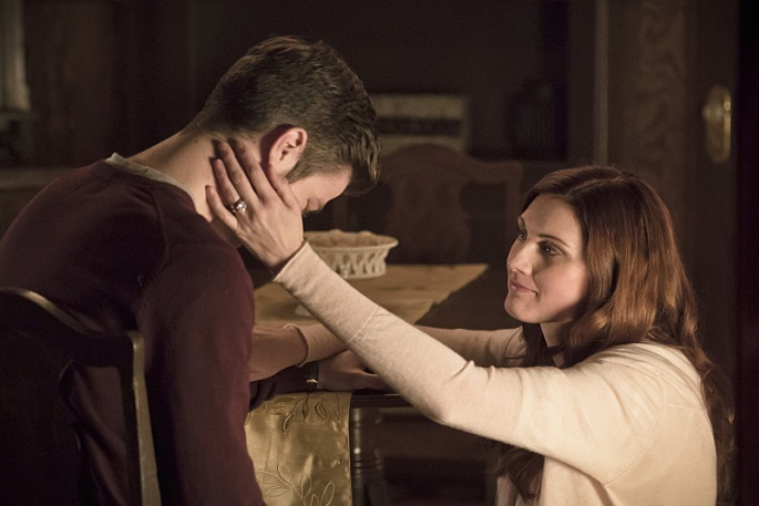 Barry_Allen_Grant_Gustin_and_Nora_Allen_Michelle_Harrison